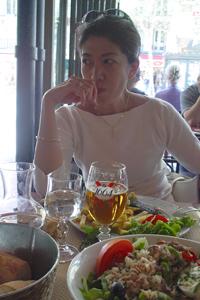 2003年 パリのカフェにて